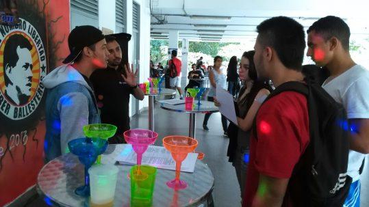 También se han realizado talleres en los que se sensibiliza sobre los riesgos del consumo de alcohol.